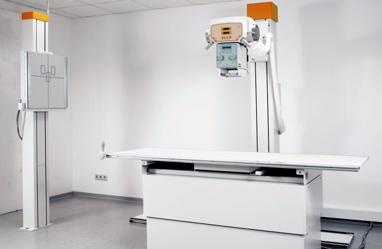 Universal X-ray system with bucky table and wall stand - ideal for small rooms