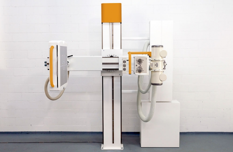 X-ray machine: Compact U-arm systems for confined spaces