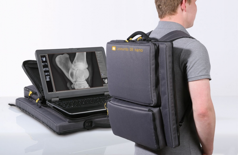 X-ray with only two components, a wireless X-ray detector and a laptop